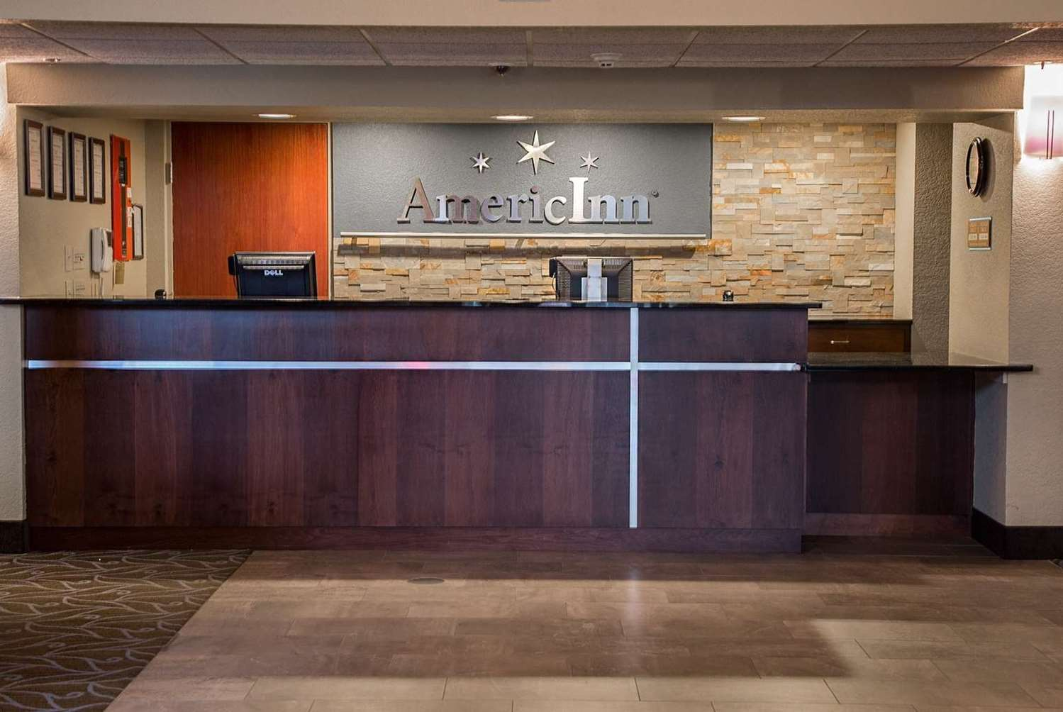 Lobby - AmericInn Hotel & Suites Mounds View