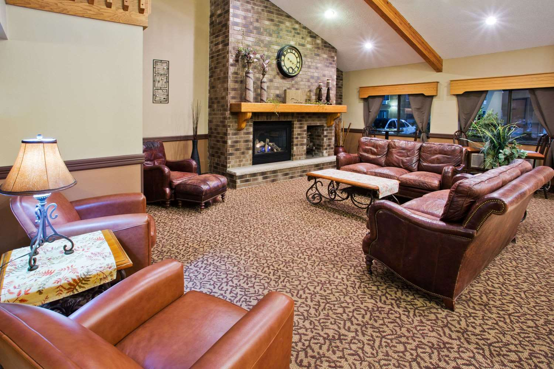 Lobby - AmericInn Lodge & Suites Aberdeen