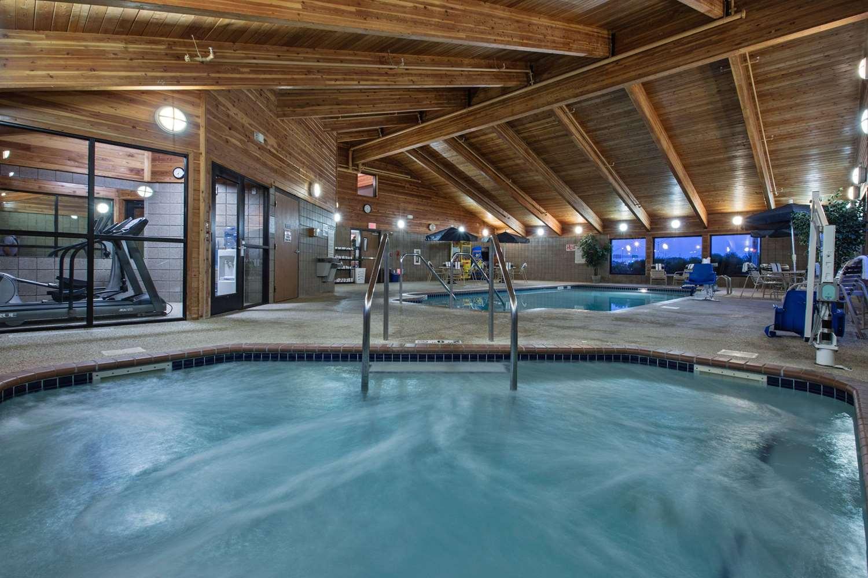 Pool - AmericInn Lodge & Suites Fort Dodge