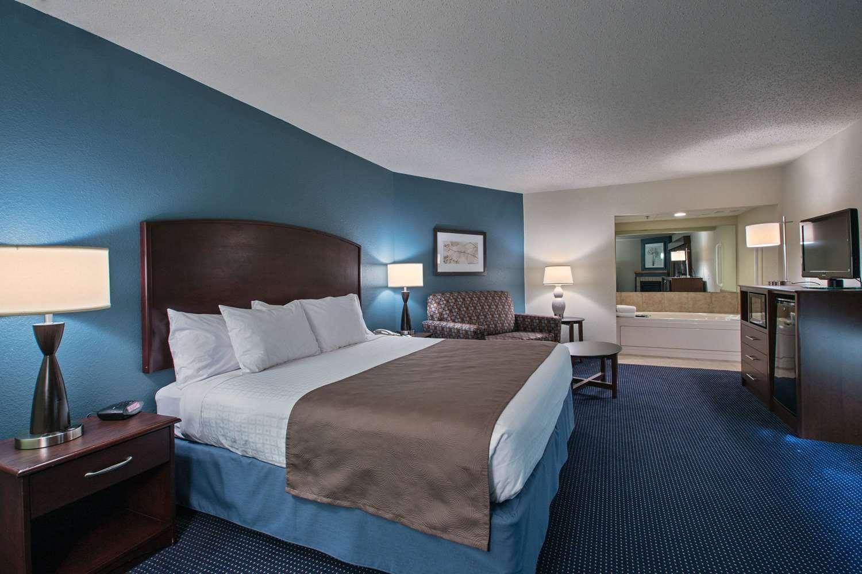 Suite - AmericInn Lodge & Suites Fort Dodge
