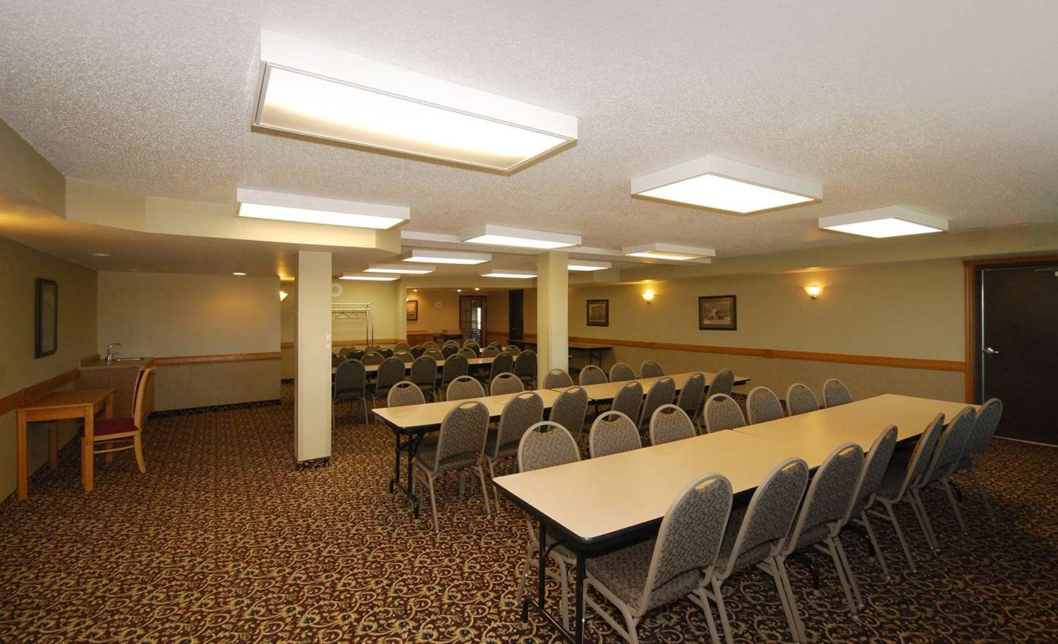 Meeting Facilities - AmericInn Lodge & Suites Merrill