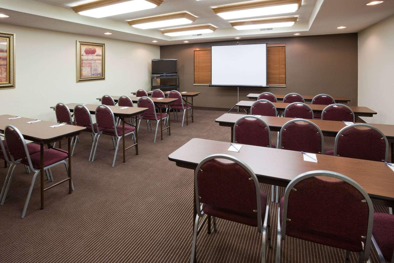 Meeting Facilities - AmericInn Lodge & Suites Thief River Falls
