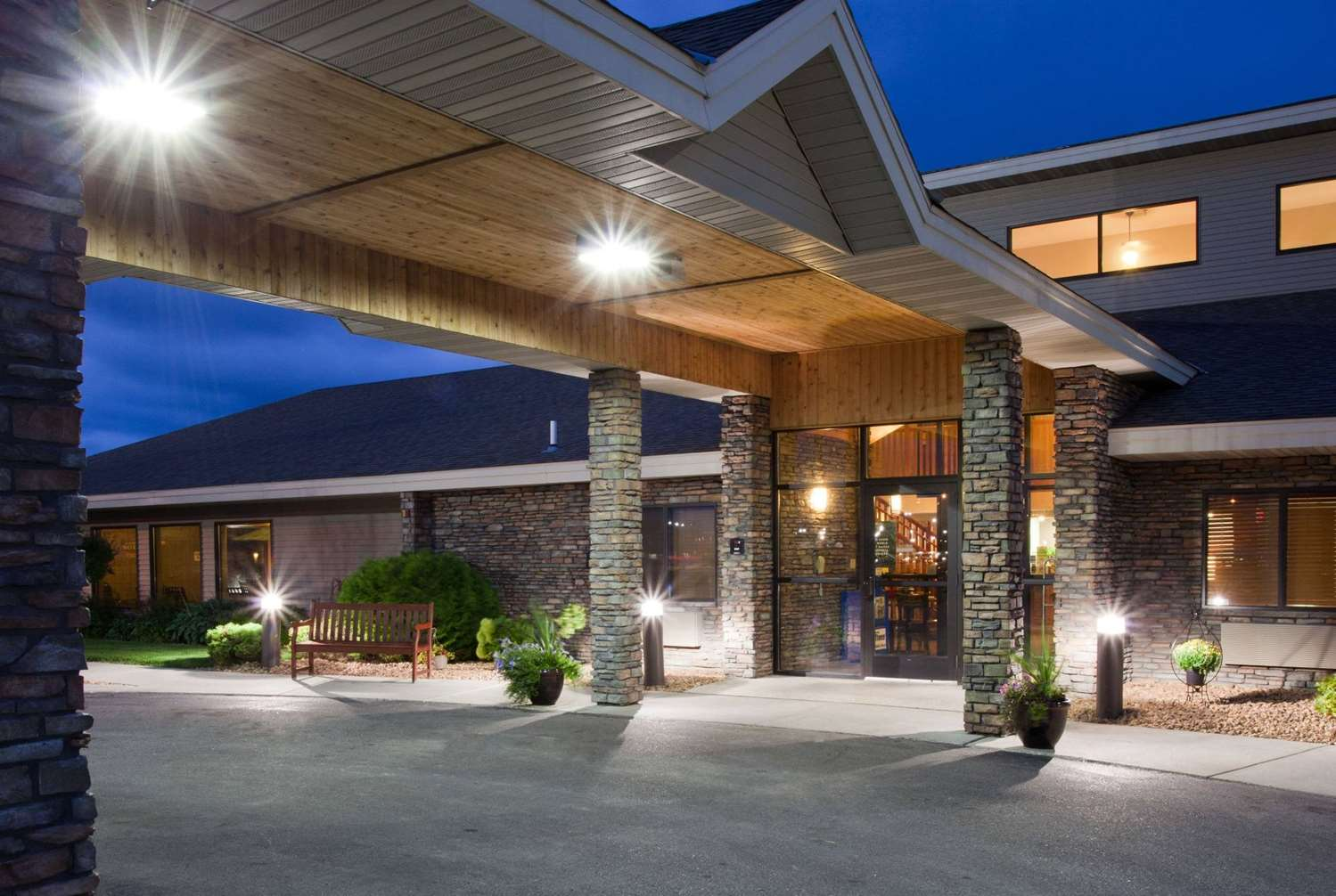 Exterior view - AmericInn Lodge & Suites Thief River Falls