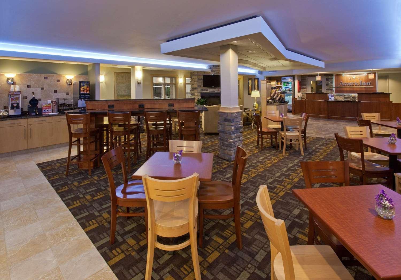 Lobby - AmericInn Lodge & Suites Fairfield