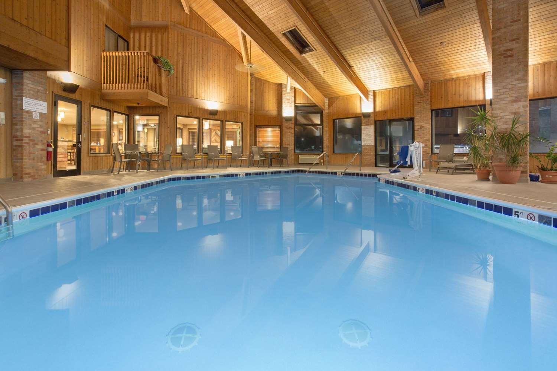 Pool - AmericInn Hotel & Suites Mt Pleasant