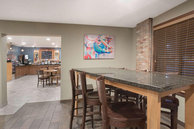 proam - AmericInn Hotel & Suites Mt Pleasant