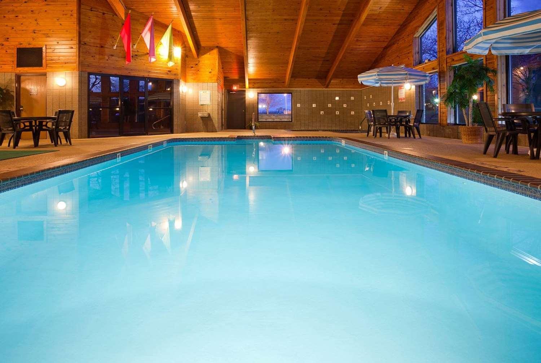 Pool - AmericInn Hotel & Suites Blackduck