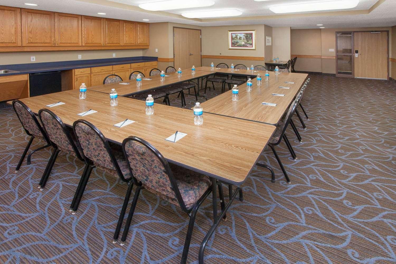 Meeting Facilities - AmericInn Hotel & Suites Webster City