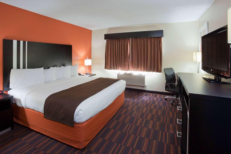 Room - AmericInn Lodge & Suites Shakopee