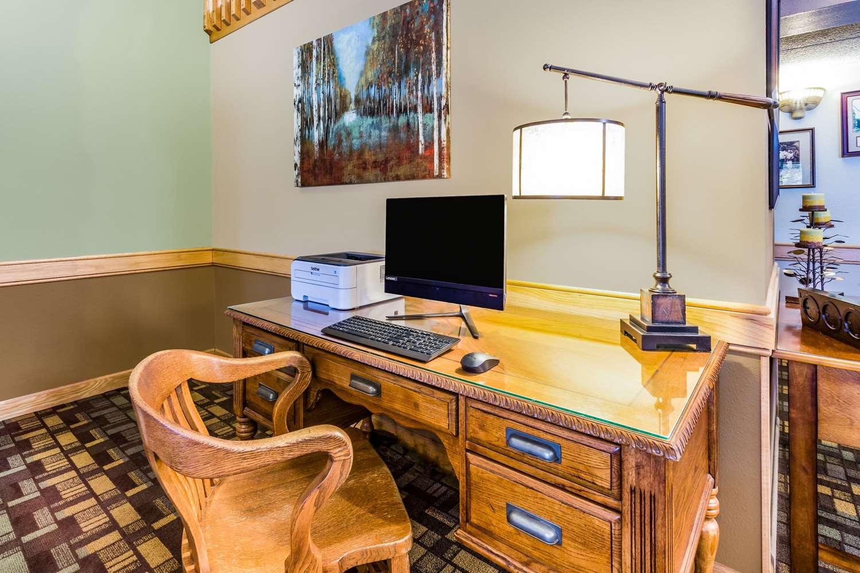 Conference Area - AmericInn Lodge & Suites Hampton