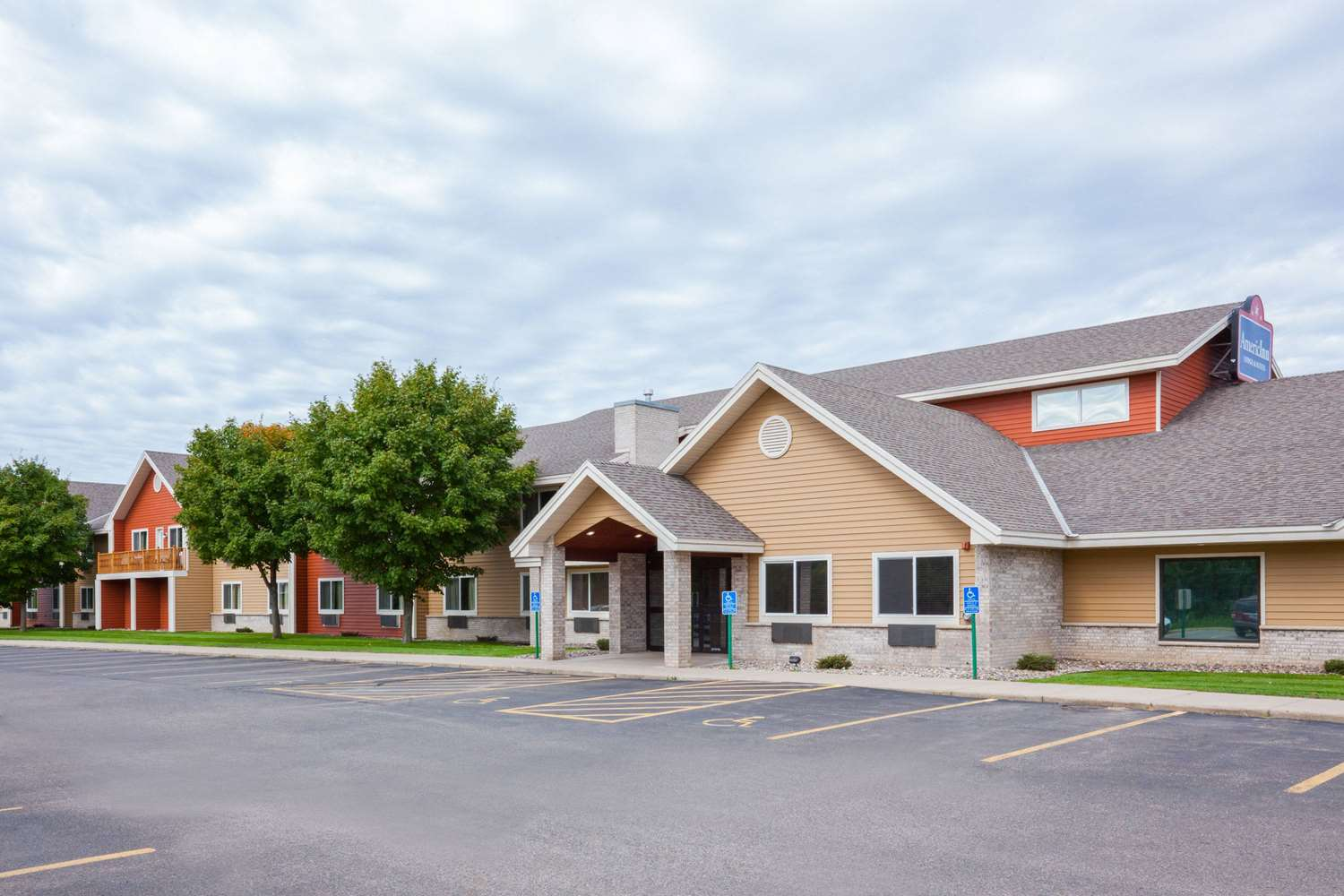 Exterior view - AmericInn Lodge & Suites Sartell
