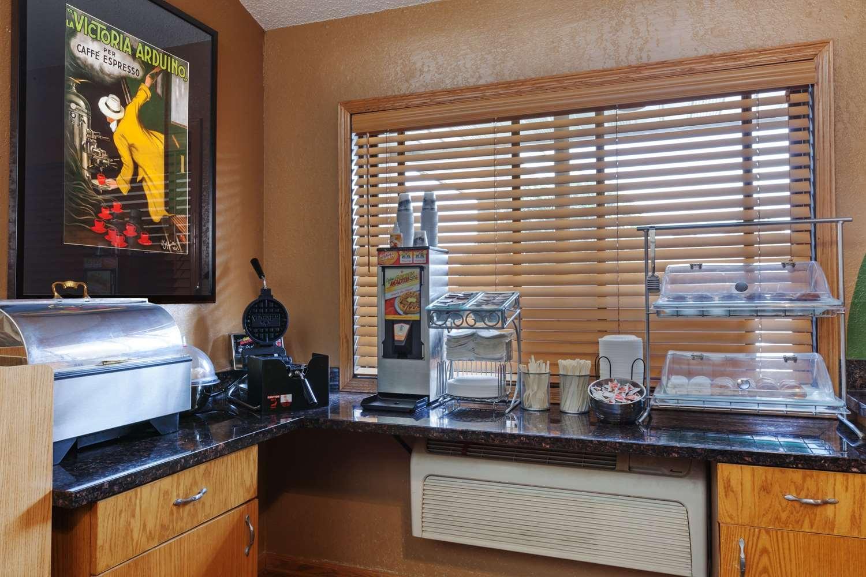 proam - AmericInn Hotel & Suites Dickinson