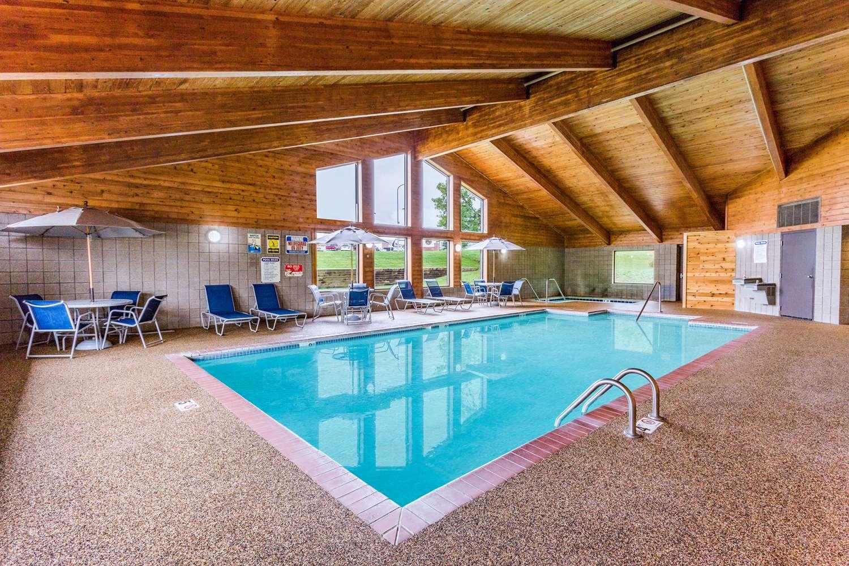 Pool - AmericInn Hotel & Suites Dickinson