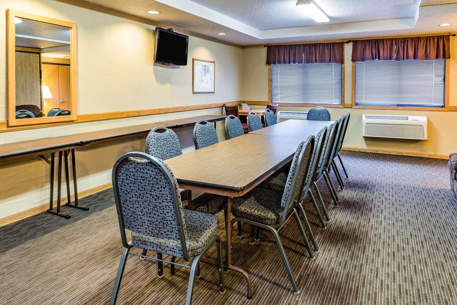 Meeting Facilities - AmericInn Hotel & Suites Dickinson
