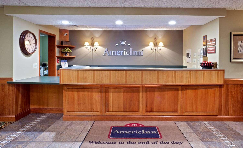 Lobby - AmericInn Madison
