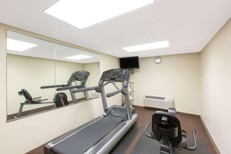 Fitness/ Exercise Room - AmericInn Ottumwa