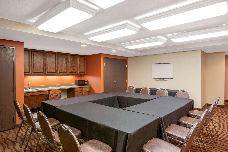 Meeting Facilities - AmericInn Ottumwa