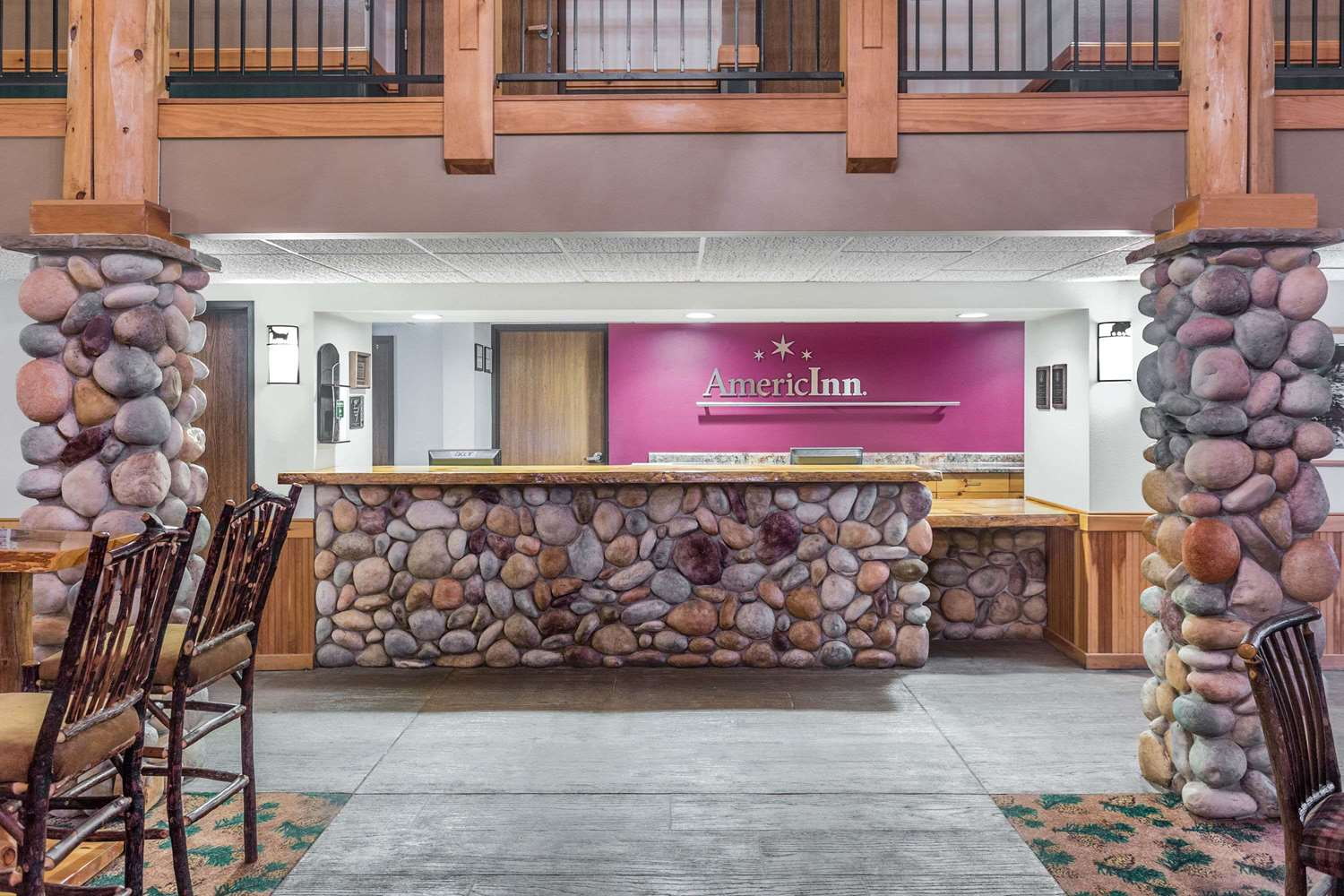 Lobby - AmericInn Lodge & Suites Wisconsin Dells