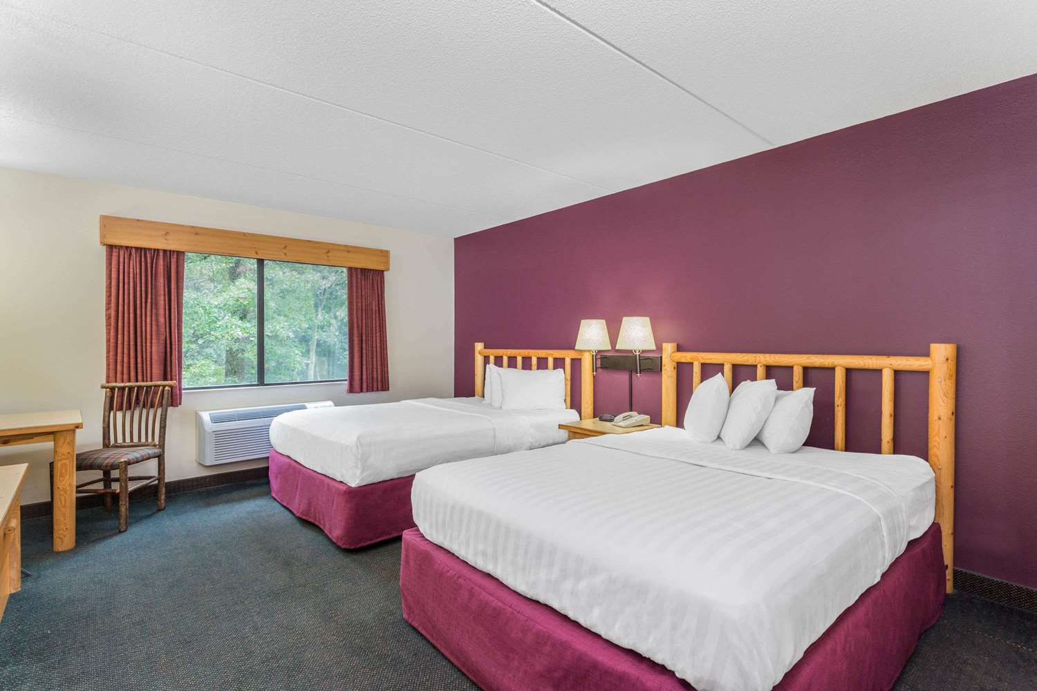 Room - AmericInn Lodge & Suites Wisconsin Dells
