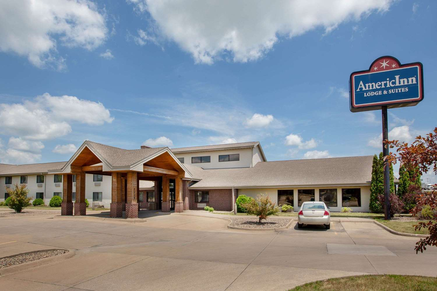 Exterior view - AmericInn Lodge & Suites Muscatine