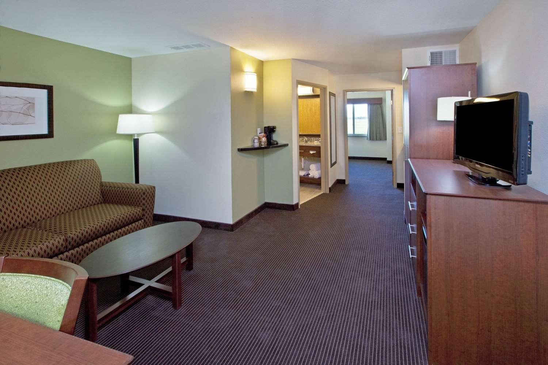 Suite - AmericInn Hotel & Suites Osage