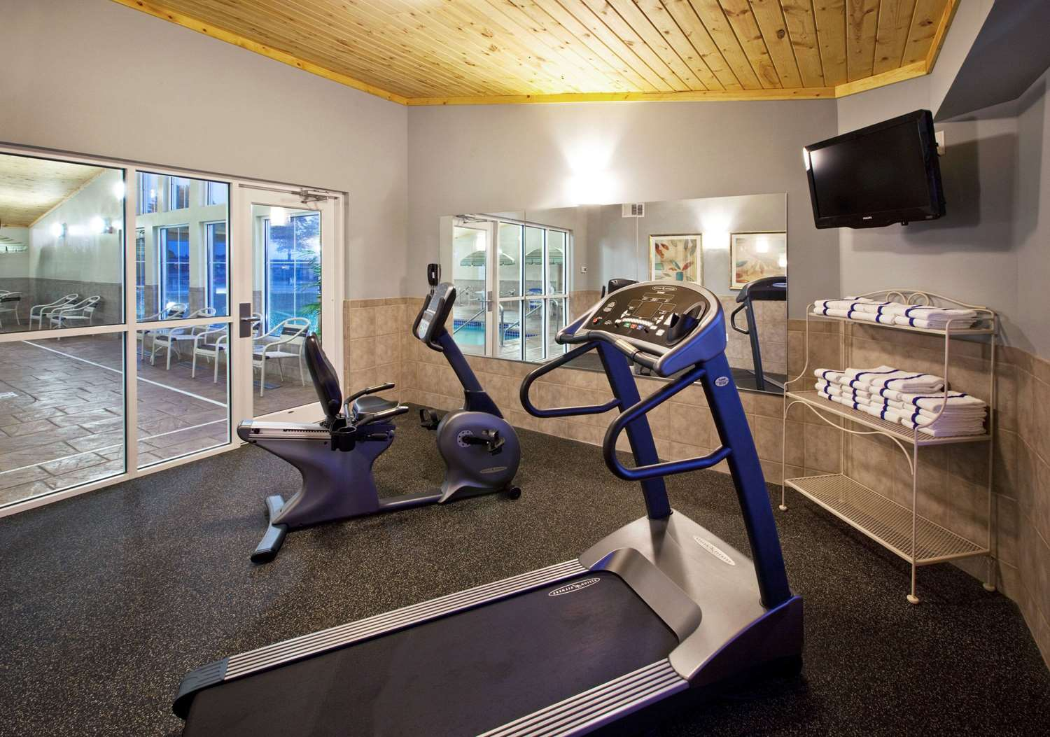Fitness/ Exercise Room - AmericInn Hotel & Suites Osage