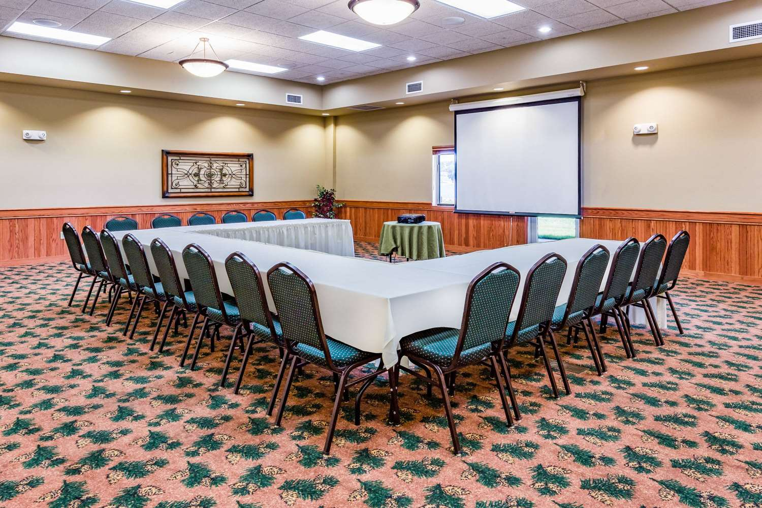 Meeting Facilities - AmericInn Fort Pierre