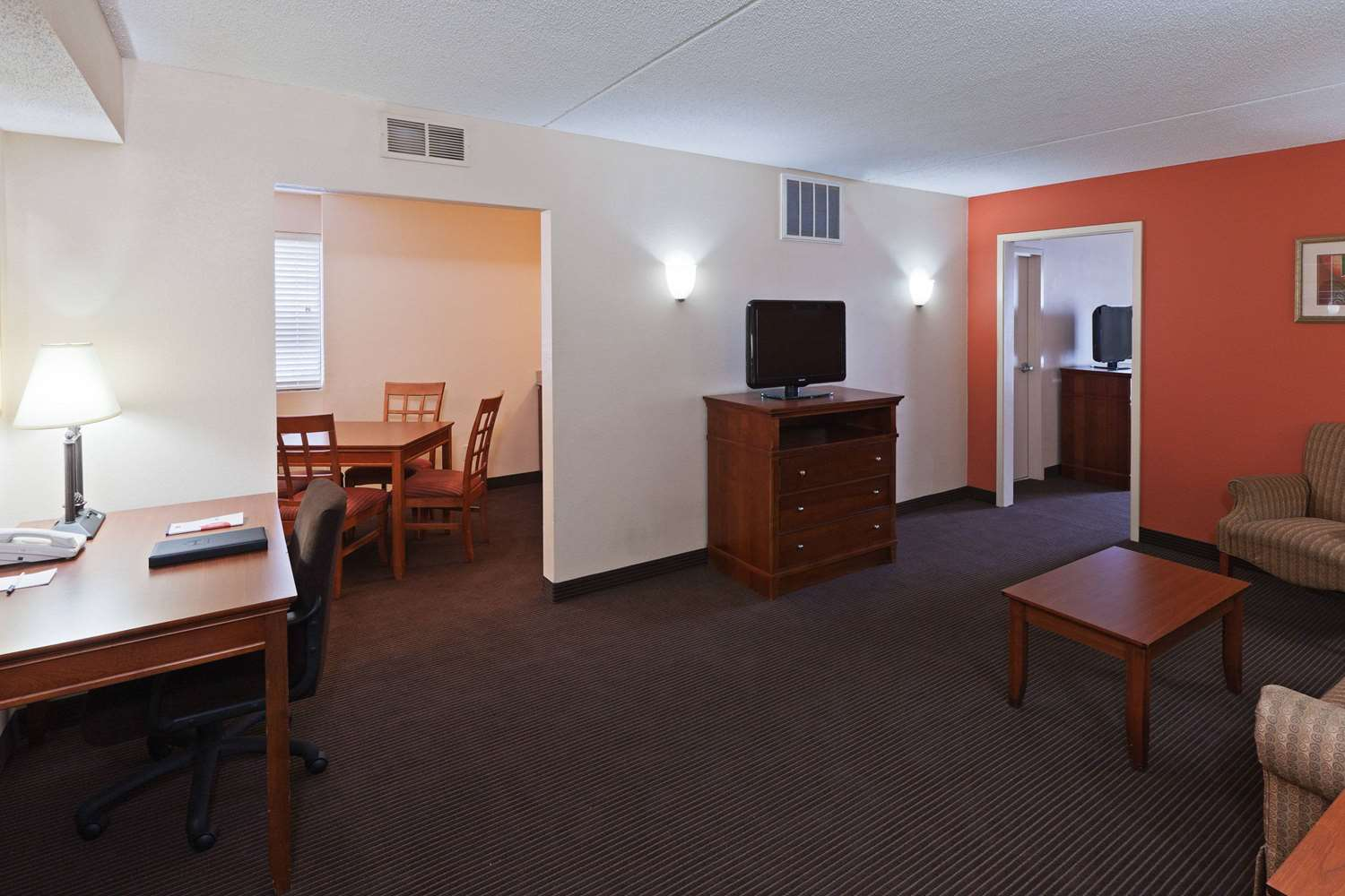 Suite - AmericInn Hotel & Suites Fishers