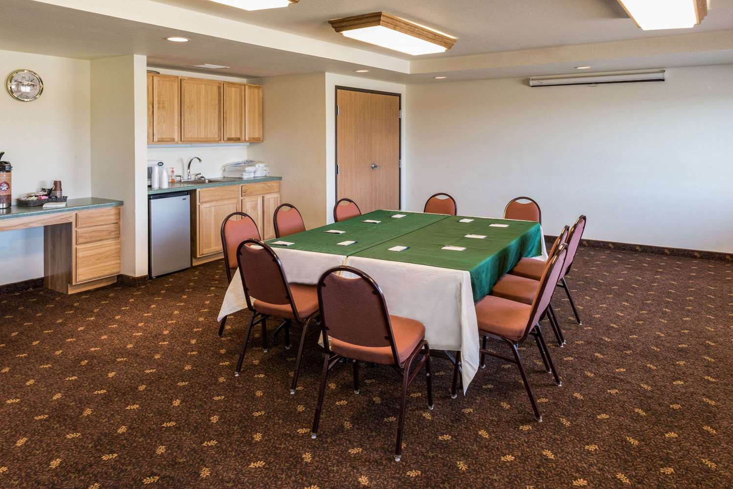 Meeting Facilities - AmericInn Belle Fourche