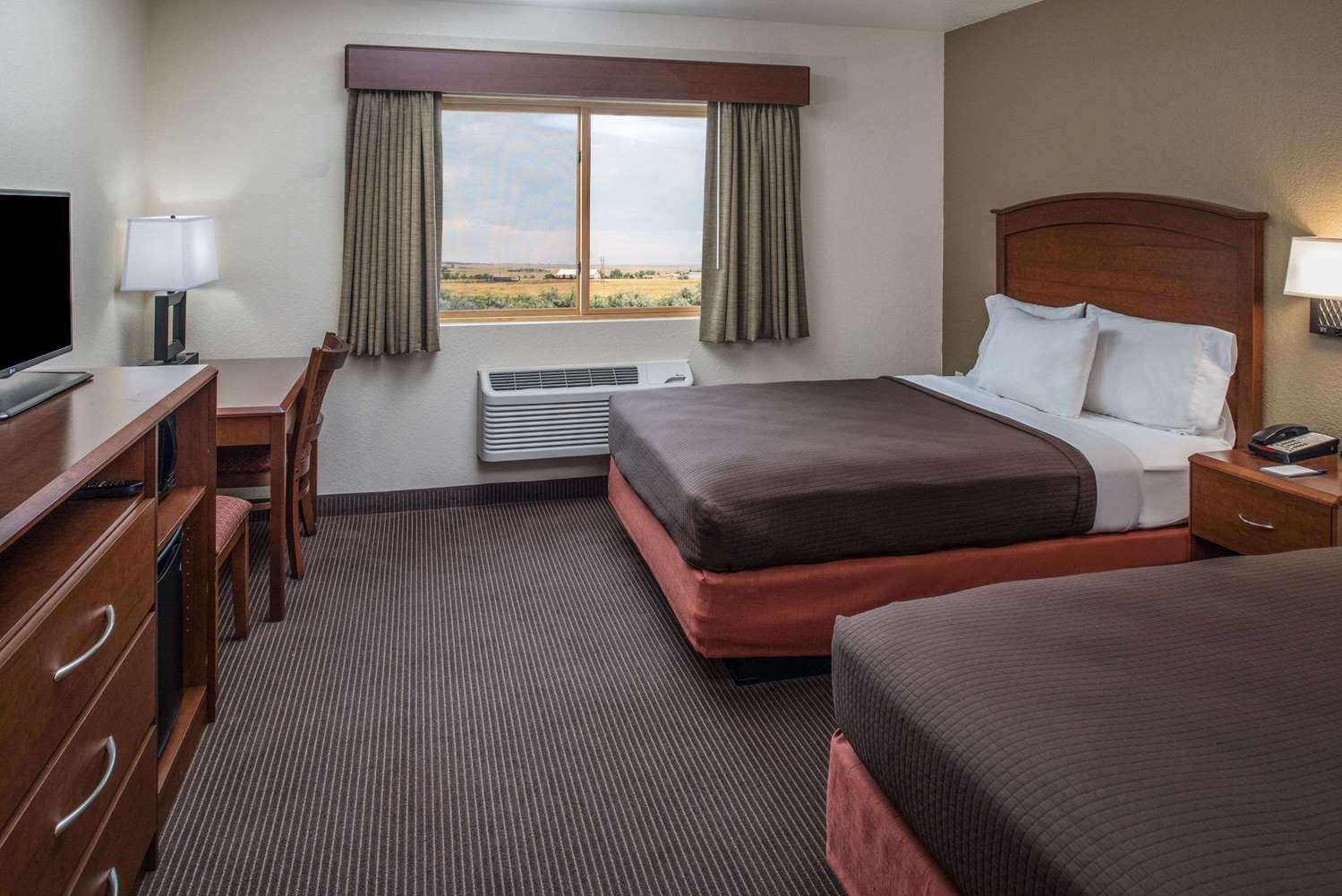 Room - AmericInn Belle Fourche