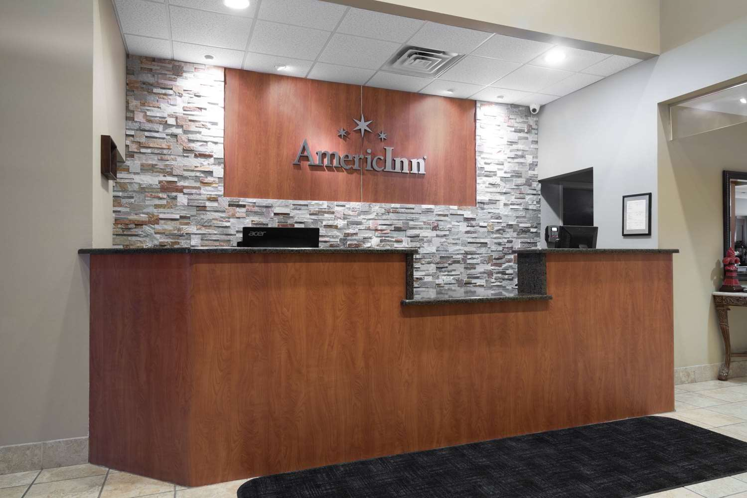Lobby - AmericInn Hotel & Suites Airport Rochester