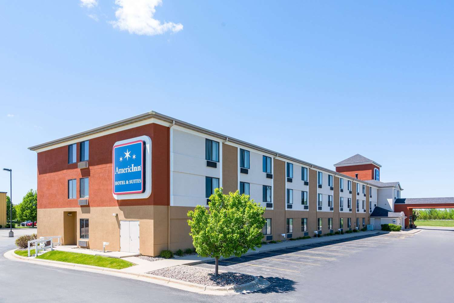 Exterior view - AmericInn Hotel & Suites Airport Rochester