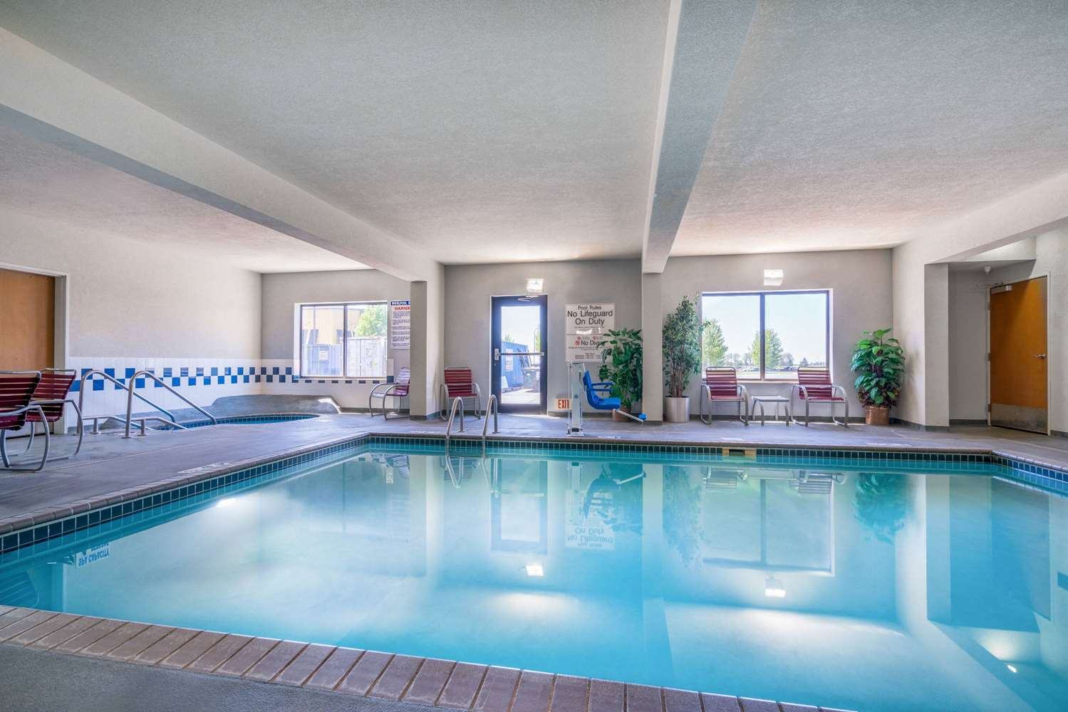 Pool - AmericInn Hotel & Suites Airport Rochester