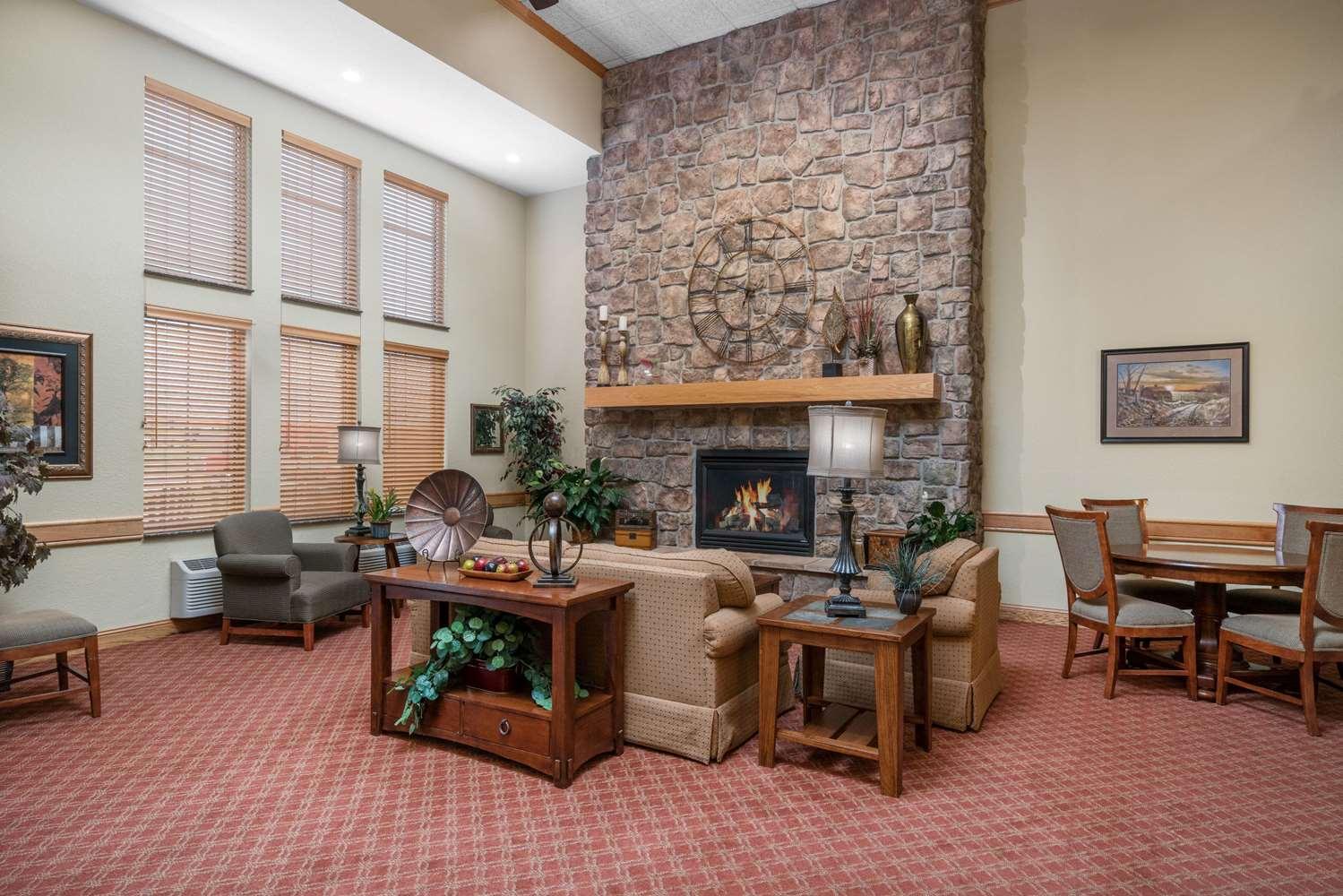 Lobby - AmericInn Lodge & Suites Newton