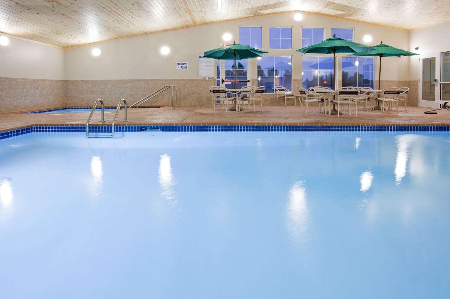 Pool - AmericInn Hotel & Suites Hawley