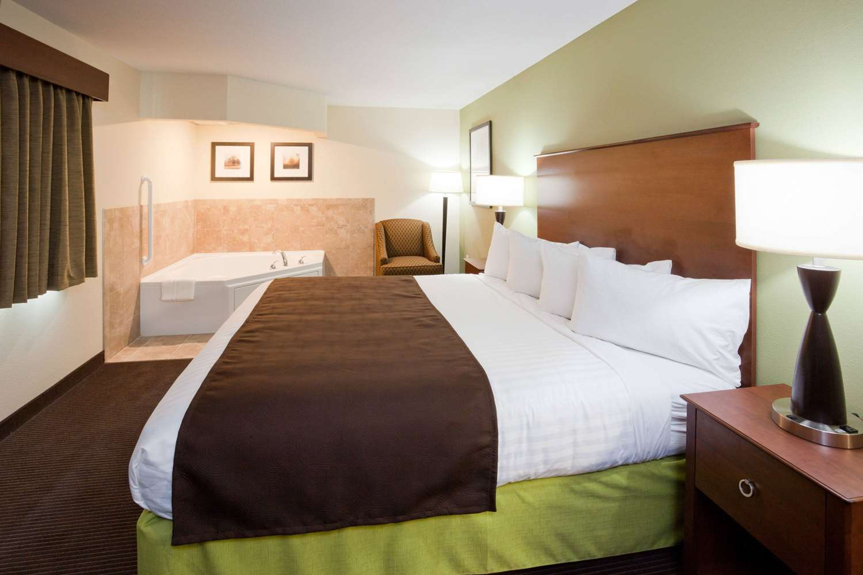 Suite - AmericInn Hotel & Suites Hawley