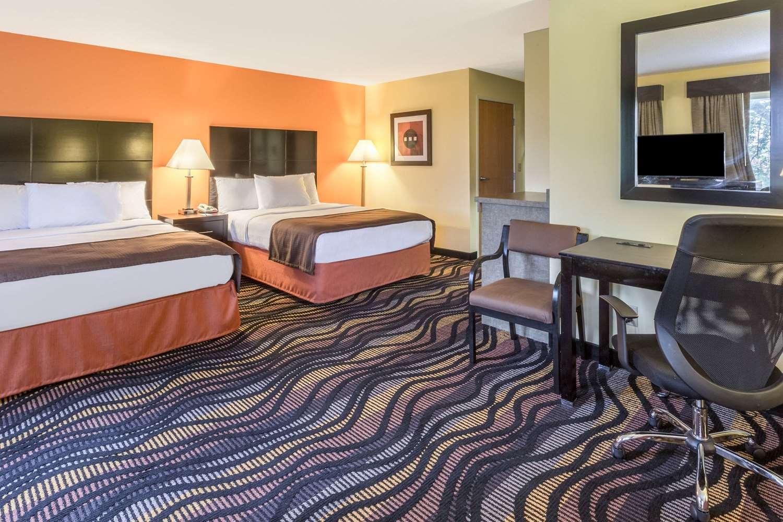 Suite - AmericInn Hotel & Suites Streator