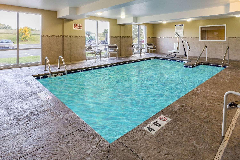 Pool - AmericInn Hotel & Suites Burnsville