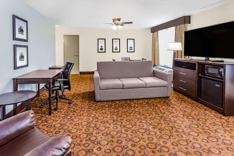 Suite - AmericInn Hotel & Suites Burnsville