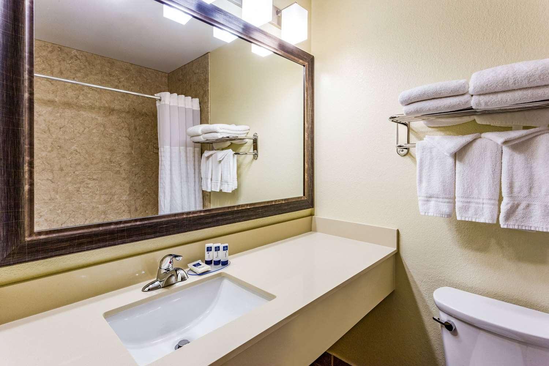 Room - AmericInn Hotel & Suites Burnsville