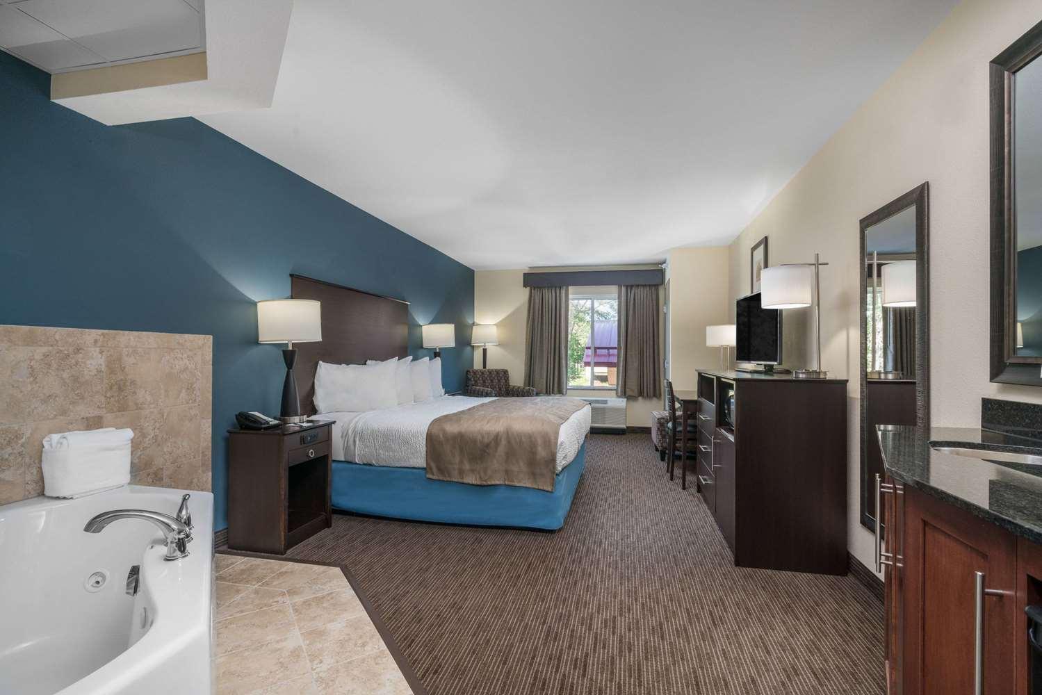 Suite - AmericInn Hotel & Suites Winona