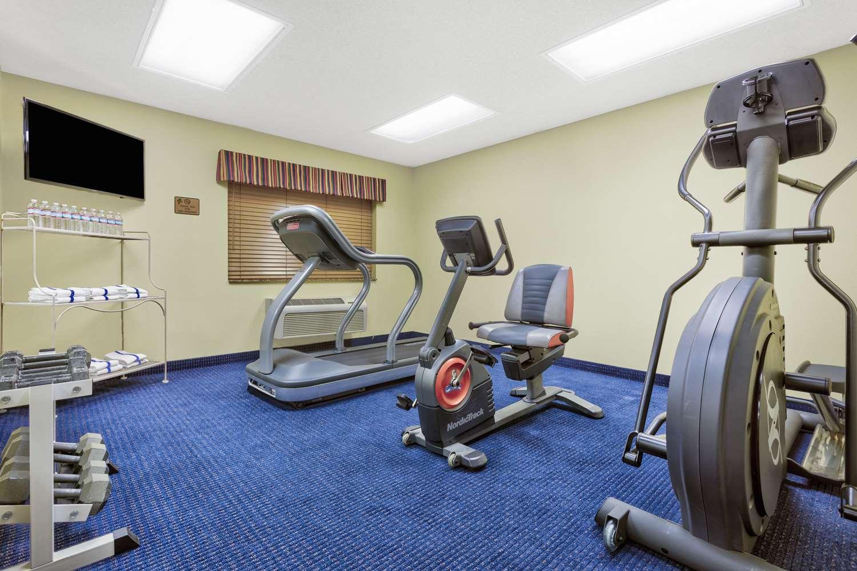 Fitness/ Exercise Room - AmericInn Lodge & Suites Vidalia