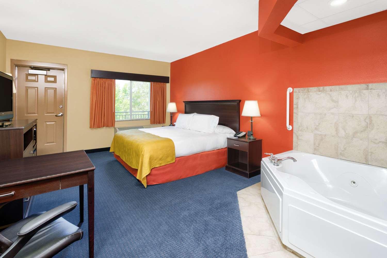 Suite - AmericInn Lodge & Suites Vidalia