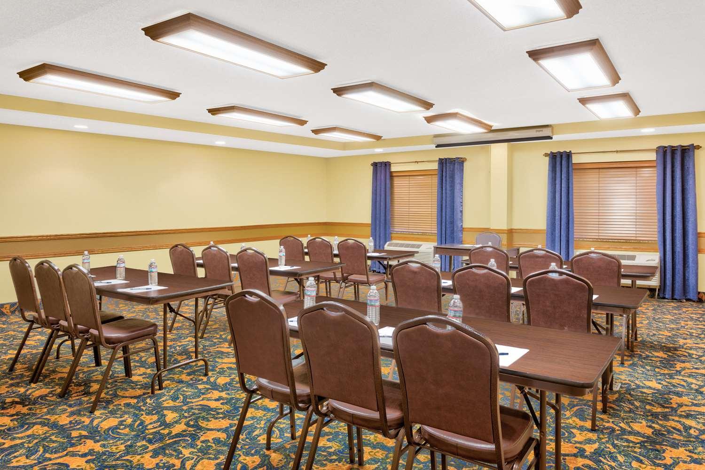 Meeting Facilities - AmericInn Lodge & Suites Vidalia