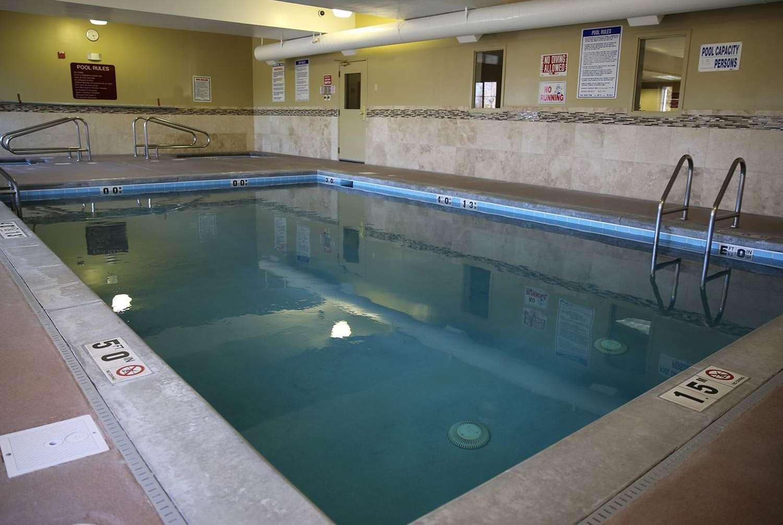 Pool - AmericInn Hotel & Suites Airport Denver