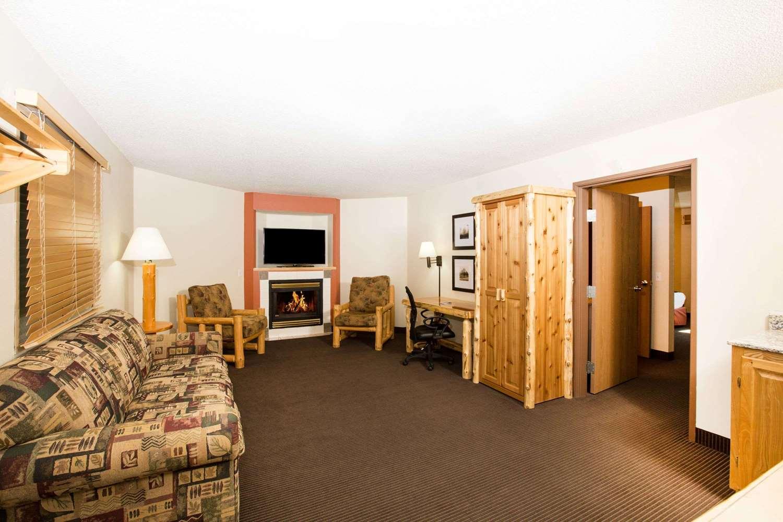 Room - AmericInn Pequot Lakes