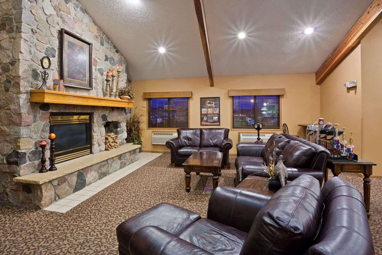 Lobby - AmericInn Lodge & Suites Mitchell