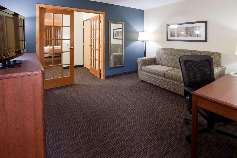 Suite - AmericInn Lodge & Suites Princeton