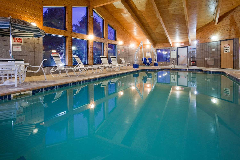 Pool - AmericInn Lodge & Suites Princeton