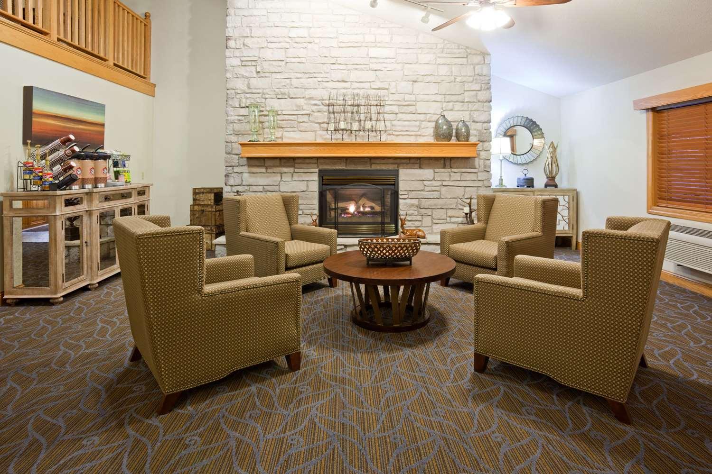 Lobby - AmericInn Lodge & Suites Princeton